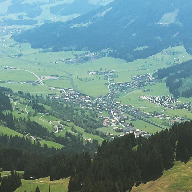 Blick auf Brixen im Thale