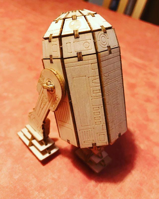 R2D2 aus Holz